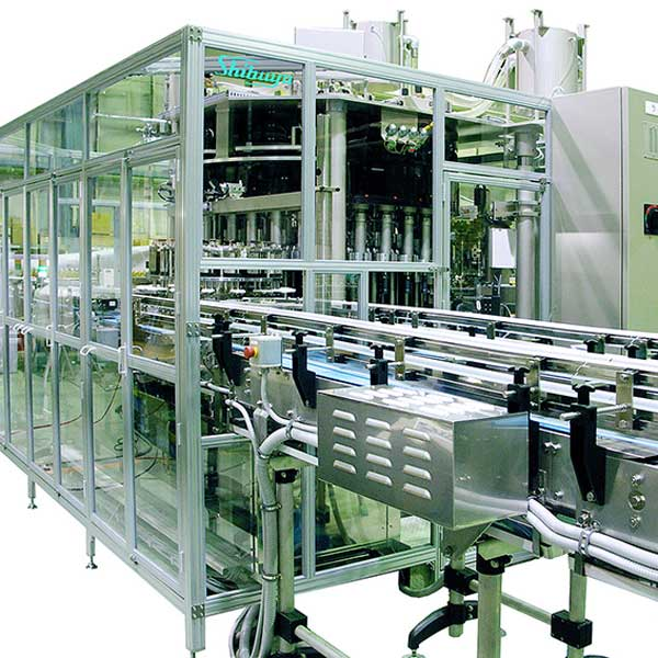 A full view of the rotary labeler machine.